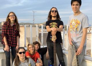 RED STRANGERS, UN OASIS EN EL PANORAMA MUSICAL DE YECLA